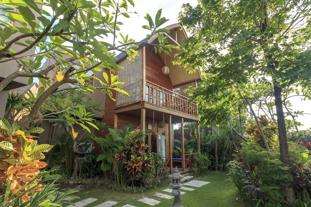 Uluwatu-Cliff-Villa-Suite-Garden-2